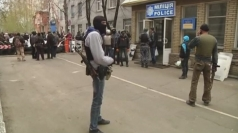 Armed men seize police headquarters in eastern Ukraine
