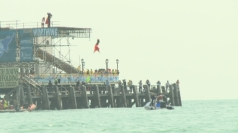 Reporter jumps off 35 ft pier for Worthing Birdman