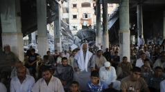 Palestinian Muslims mark Eid al-Fitr as ceasefire is agreed