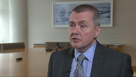 Willie Walsh apologises for Gatwick problems