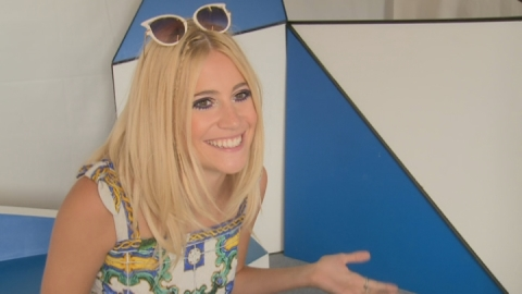Pixie Lott chats portaloos and dream her collaboration