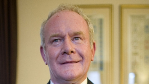 Sinn Fein's McGuinness to meet Queen