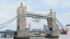 A new set of Olympic rings are hanging above the Thames.