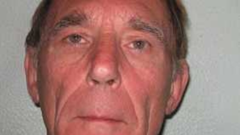 Killer John Massey escapes from London jail.