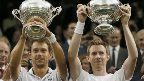 Jonny Marray (R) and partner Freddie Nielsen celebrate.
