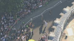 The torch makes its way through London.
