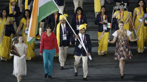 Mystery woman at India's Opening Ceremony parade.
