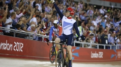 Jason Kenny celebrates winning gold.