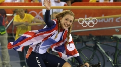 Laura Trott celebrates her second Olympic gold win.