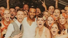 Craig David surprises couple at wedding