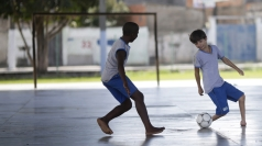 Amazing footless footballer causes a stir in Rio