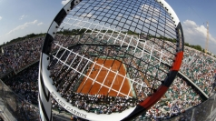 World's biggest tennis racket built in New York