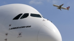 Airbus 'to have planes flocking like birds by 2050'