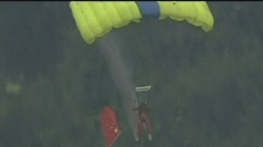 Daredevils take part in Chinese BASE jumping festival