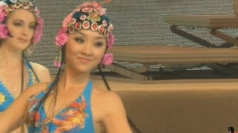 Bikini 'opera' held in China