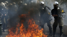 Demo in Greece turns violent between protestors and police