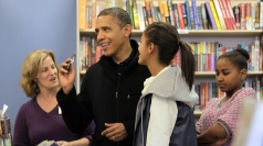 Barack Obama goes Christmas shopping with Sasha and Malia