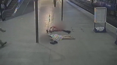 CCTV: Embarrassing accidents in train stations