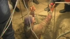 Man in Ukraine rescued from an 18m deep well