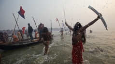 Thousands of naked hermits march for Kumbh Mela