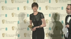 BAFTAs 2013: Anne Hathaway gets emotional after win