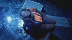 Beyonce performs Halo on top of a piano.