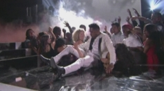 Miguel injures fans at the Billboard Music Awards
