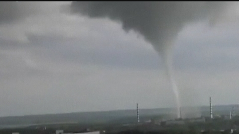 Terrifying footage: Huge tornado tears through Russian town