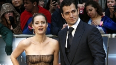 Amy Adams agrees Henry Cavill is a very good looking man