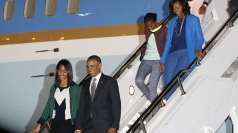 President Obama and family arrive in South Africa