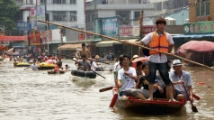 Typhoon hits China: Animals rescued and villages evacuated