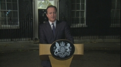David Cameron leads political tributes to 'hero' Mandela