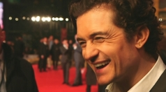 Orlando Bloom forgets his lines at The Hobbit premiere