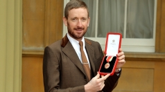 Sir Bradley Wiggins: Cyclists should help themselves