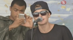 Justin Bieber sings to Typhoon Haiyan victims