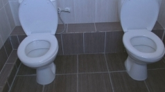 Twin toilets cause a stink in Sochi
