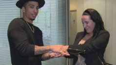 Magician Troy wows reporter with card trick