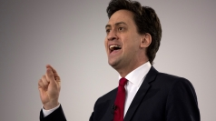 Miliband pledges 'real jobs guarantee' for youngsters