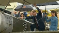 Prince William sits in vintage aircraft on New Zealand tour